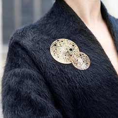 Lunar Small magnetic brooch - Pink gold stainless steel