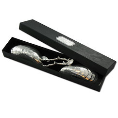 2 mussel shells with 2 salt spoons coral branch