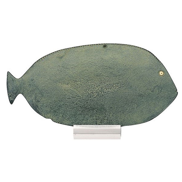 Palette in the shape of a fish