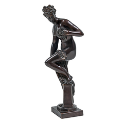Bather or Venus coming out of the bath - Bronze