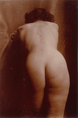 Femme Nue De Dos femme nue debout de dos, penchée, vue jusqu'aux genoux | boutiques